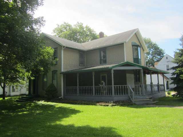 407 E Mulberry Street, Watseka, IL 60970 (MLS #10430776) :: Lewke Partners