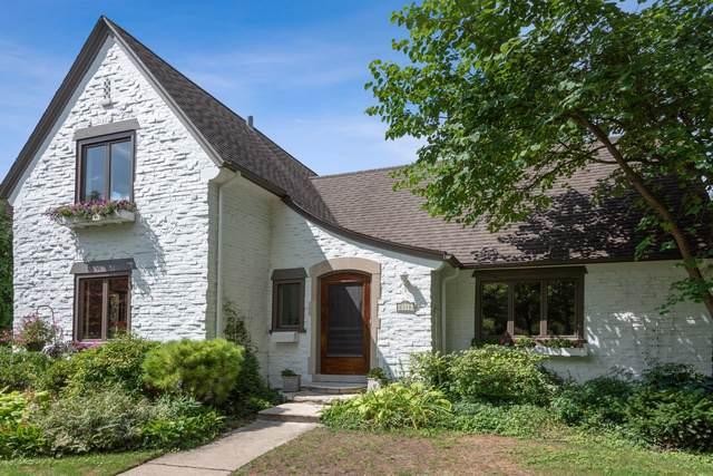 2316 Lawndale Avenue, Evanston, IL 60201 (MLS #10431178) :: Berkshire Hathaway HomeServices Snyder Real Estate