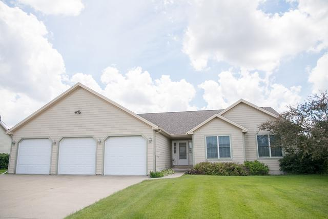 421 Sunset Drive, Colfax, IL 61728 (MLS #10432497) :: Berkshire Hathaway HomeServices Snyder Real Estate