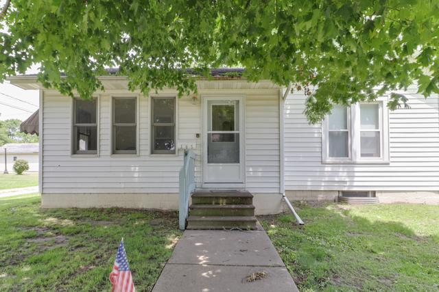 305 E Chestnut Street, Lexington, IL 61753 (MLS #10432816) :: Berkshire Hathaway HomeServices Snyder Real Estate