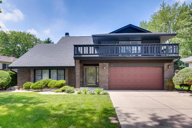1544 Briarcliffe Boulevard, Wheaton, IL 60189 (MLS #10434110) :: The Wexler Group at Keller Williams Preferred Realty