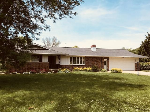 334 S Hislop Drive, Cissna Park, IL 60924 (MLS #10434115) :: Ryan Dallas Real Estate