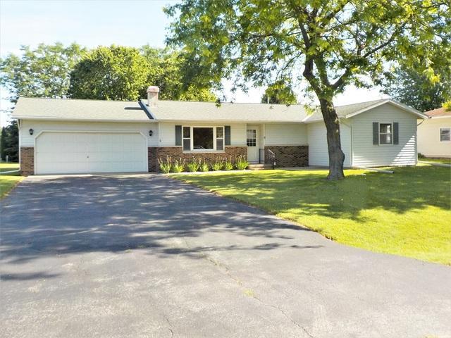 8 E Oak Street, Amboy, IL 61310 (MLS #10434299) :: Angela Walker Homes Real Estate Group