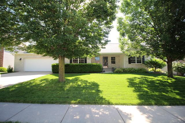 2003 Withers Lane, Bloomington, IL 61704 (MLS #10435904) :: Berkshire Hathaway HomeServices Snyder Real Estate