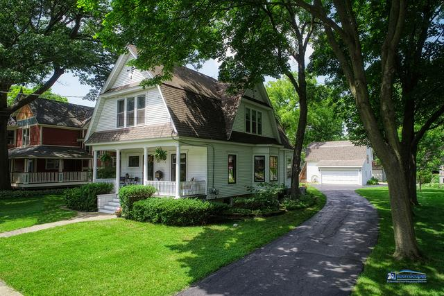 32 Oak Avenue, Grayslake, IL 60030 (MLS #10436144) :: Berkshire Hathaway HomeServices Snyder Real Estate