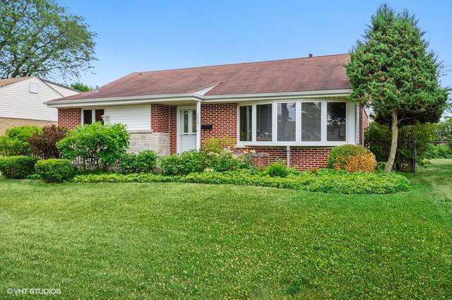 7521 Churchill Street, Morton Grove, IL 60053 (MLS #10437281) :: Helen Oliveri Real Estate
