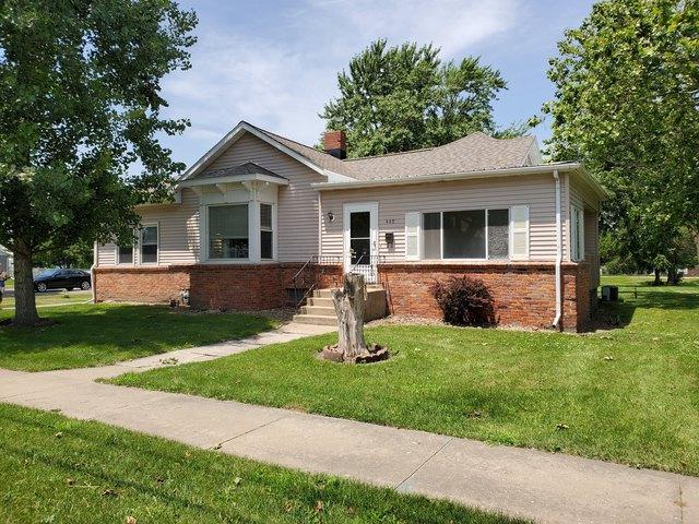 449 W Main Street, El Paso, IL 61738 (MLS #10437712) :: Jacqui Miller Homes