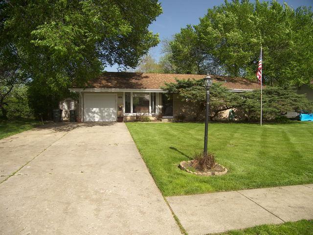525 Lincoln Drive, Hoffman Estates, IL 60169 (MLS #10438679) :: Angela Walker Homes Real Estate Group
