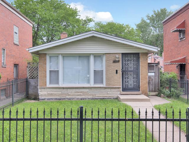 9913 S Van Vlissingen Road, Chicago, IL 60617 (MLS #10438719) :: John Lyons Real Estate