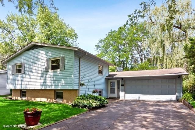7156 Edgebrook Lane, Hanover Park, IL 60133 (MLS #10439032) :: The Wexler Group at Keller Williams Preferred Realty
