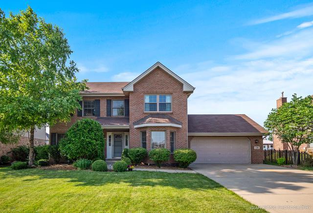 1208 Tower Hill Drive, Woodridge, IL 60517 (MLS #10439405) :: Angela Walker Homes Real Estate Group