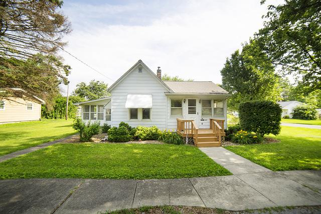 307 E Wall Street, Lexington, IL 61753 (MLS #10439569) :: Berkshire Hathaway HomeServices Snyder Real Estate