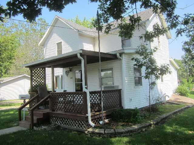 242 W Fleming Street, Watseka, IL 60970 (MLS #10440545) :: Lewke Partners