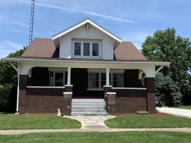 423 W Koplin Street, Cissna Park, IL 60924 (MLS #10440808) :: Ryan Dallas Real Estate