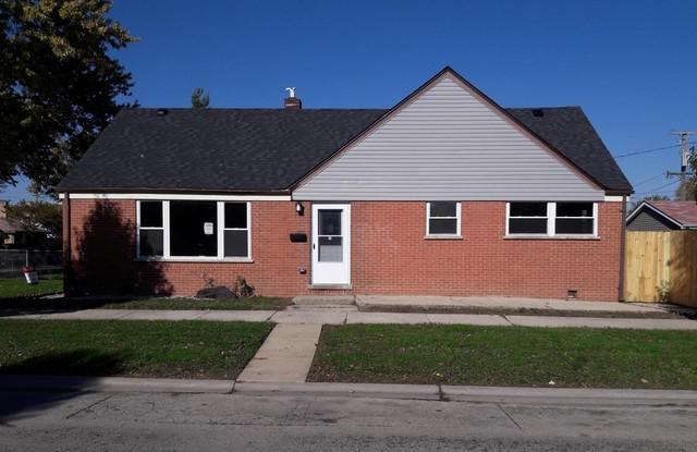 1801 N 40th Avenue, Stone Park, IL 60165 (MLS #10440875) :: Property Consultants Realty