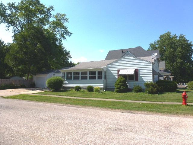 101 W Webster Street, CLINTON, IL 61727 (MLS #10441018) :: Berkshire Hathaway HomeServices Snyder Real Estate