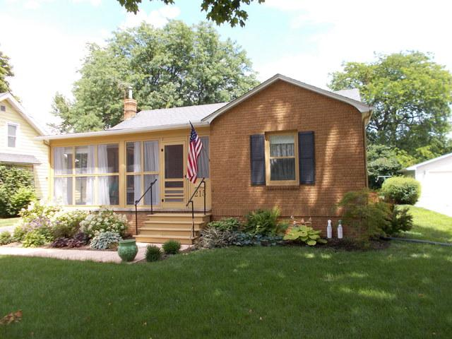 215 N Euclid Avenue, Princeton, IL 61356 (MLS #10442285) :: Berkshire Hathaway HomeServices Snyder Real Estate