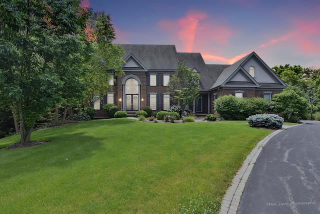 38W785 Lookout Lane, St. Charles, IL 60175 (MLS #10442693) :: Berkshire Hathaway HomeServices Snyder Real Estate