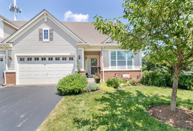 1938 Glenwood Circle B, Sugar Grove, IL 60554 (MLS #10443111) :: Berkshire Hathaway HomeServices Snyder Real Estate