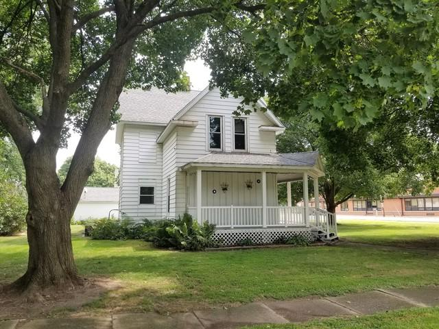 201 N Lincoln Street, Tampico, IL 61283 (MLS #10443191) :: The Perotti Group | Compass Real Estate