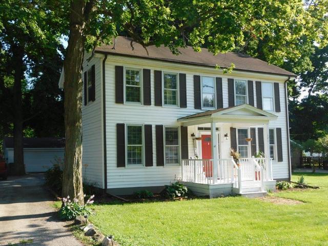 121 E Eureka Street, Braidwood, IL 60408 (MLS #10443404) :: Berkshire Hathaway HomeServices Snyder Real Estate
