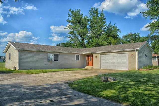 1715 W 2000S Road, Kankakee, IL 60901 (MLS #10443414) :: Domain Realty