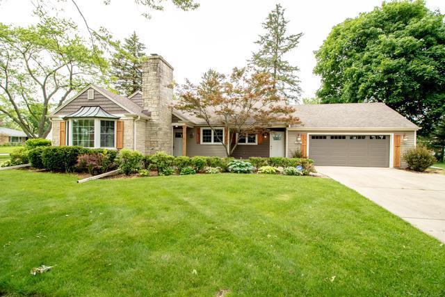 1503 E Evergreen Street, Wheaton, IL 60187 (MLS #10443519) :: The Perotti Group   Compass Real Estate