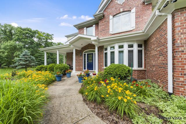 29W140 Forest Lane, Warrenville, IL 60555 (MLS #10444004) :: The Perotti Group | Compass Real Estate