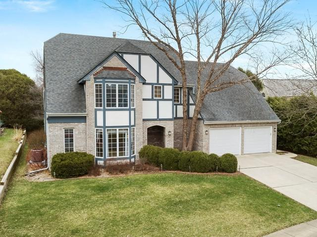 4 Windwood Drive, Sugar Grove, IL 60554 (MLS #10444015) :: Berkshire Hathaway HomeServices Snyder Real Estate