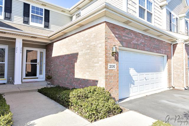 206 Trentt Drive, Batavia, IL 60510 (MLS #10444029) :: Berkshire Hathaway HomeServices Snyder Real Estate