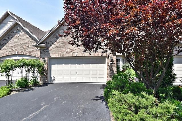 24 Oak Creek Court, North Aurora, IL 60542 (MLS #10444523) :: Berkshire Hathaway HomeServices Snyder Real Estate