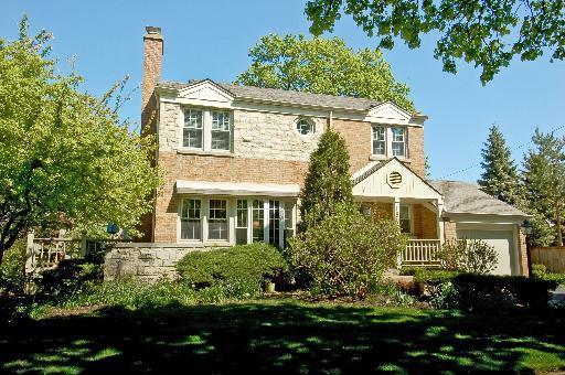 1842 Colfax Avenue, Glenview, IL 60025 (MLS #10444622) :: The Perotti Group | Compass Real Estate