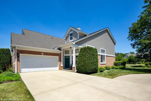 2588 Camberley Circle, Westchester, IL 60154 (MLS #10444793) :: The Perotti Group | Compass Real Estate