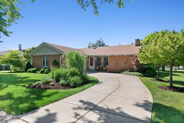 2401 Sunnyside Avenue, Westchester, IL 60154 (MLS #10444937) :: The Perotti Group | Compass Real Estate