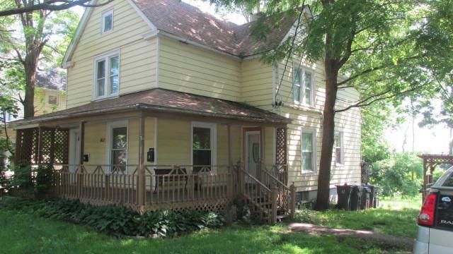 411 Oak Street, Waukegan, IL 60085 (MLS #10445706) :: Angela Walker Homes Real Estate Group