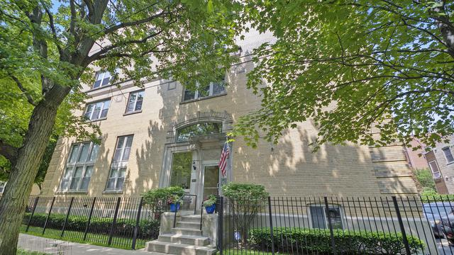 3900 N Claremont Avenue #404, Chicago, IL 60618 (MLS #10445805) :: Berkshire Hathaway HomeServices Snyder Real Estate