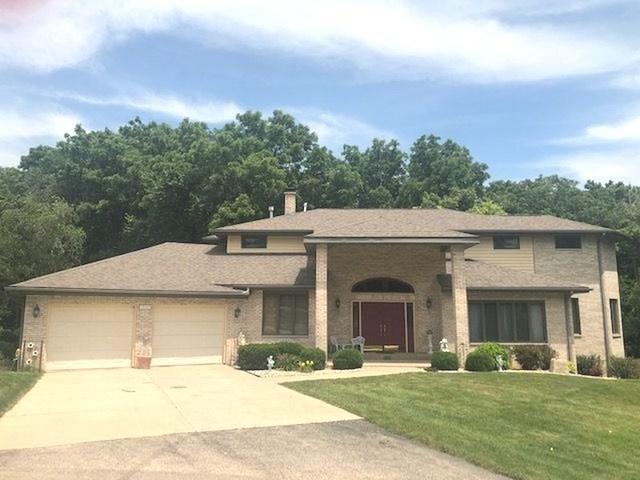 1732 Valley View Drive, Dixon, IL 61021 (MLS #10445871) :: Baz Realty Network   Keller Williams Elite