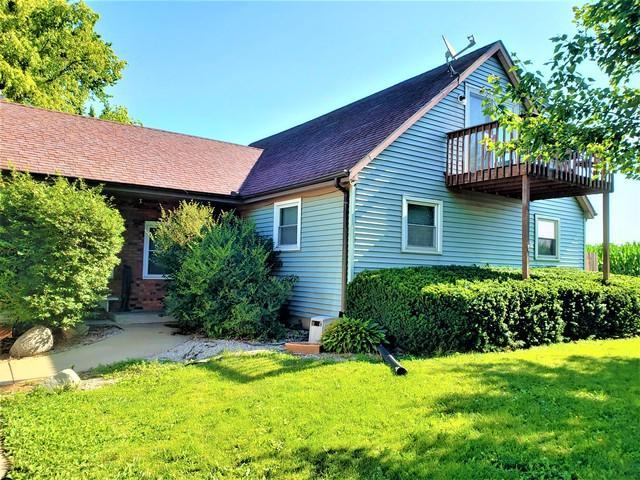 1102 E Washington Street, LEROY, IL 61752 (MLS #10445947) :: Jacqui Miller Homes