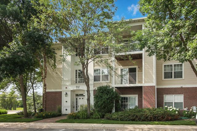 3243 Stratford Court 2B, Lake Bluff, IL 60044 (MLS #10447607) :: Baz Realty Network | Keller Williams Elite