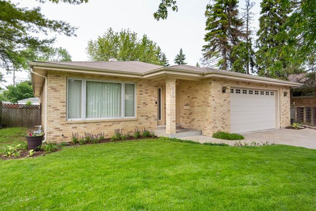 8906 Monroe Avenue, Brookfield, IL 60513 (MLS #10447662) :: The Mattz Mega Group