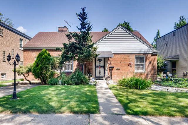 2920 W Pratt Boulevard, Chicago, IL 60645 (MLS #10448178) :: Property Consultants Realty