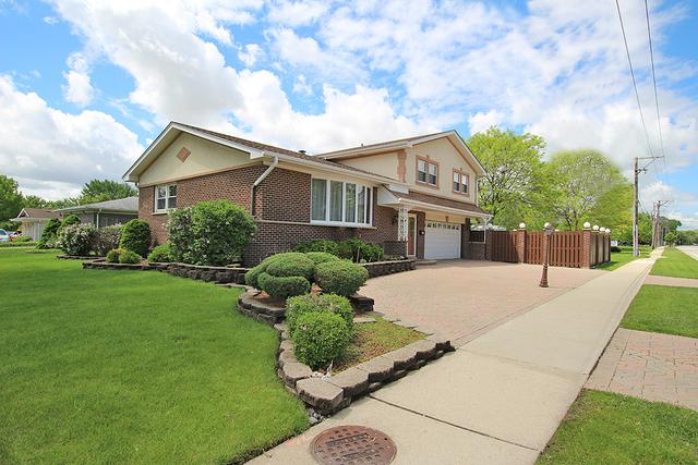 1000 S Na Wa Ta Avenue, Mount Prospect, IL 60056 (MLS #10448376) :: Berkshire Hathaway HomeServices Snyder Real Estate