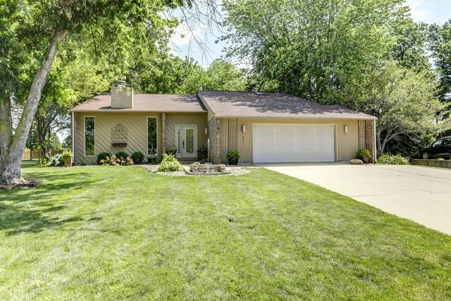 2211 Berrywood Lane, Bloomington, IL 61704 (MLS #10448386) :: The Wexler Group at Keller Williams Preferred Realty