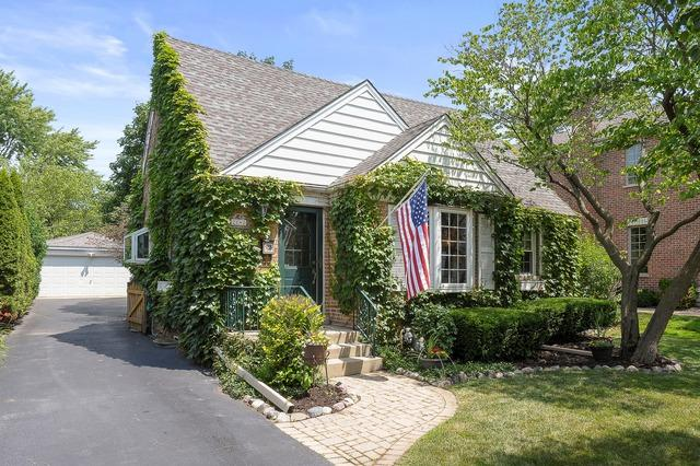 2140 Walnut Court, Glenview, IL 60025 (MLS #10448401) :: The Perotti Group | Compass Real Estate