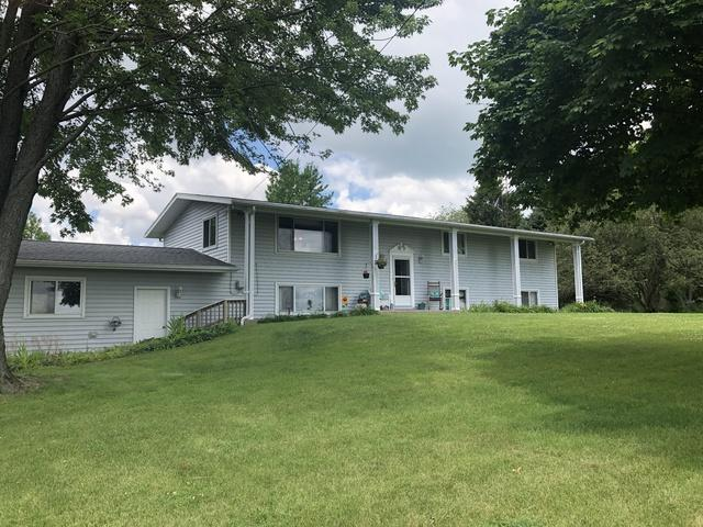 2945 E 6th Road, Lasalle, IL 61301 (MLS #10448460) :: Berkshire Hathaway HomeServices Snyder Real Estate
