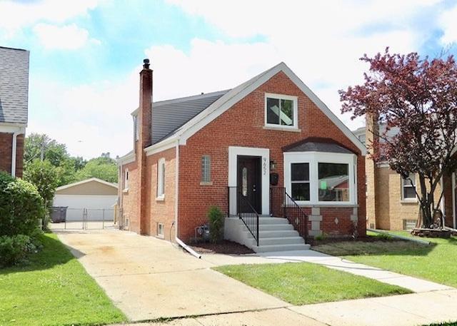 9652 S Richmond Avenue, Evergreen Park, IL 60805 (MLS #10448797) :: The Perotti Group | Compass Real Estate