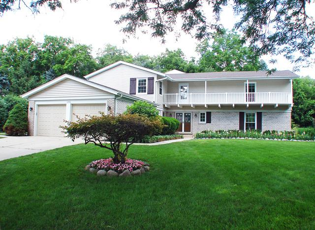 1270 Saint James Place, Libertyville, IL 60048 (MLS #10449079) :: Property Consultants Realty