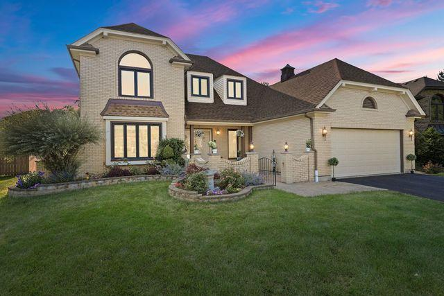 2S564 Danbury Drive, Glen Ellyn, IL 60137 (MLS #10449083) :: John Lyons Real Estate