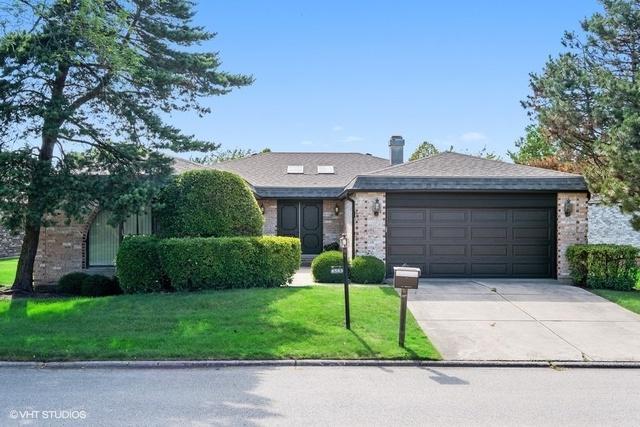 4549 Lindenwood Lane, Northbrook, IL 60062 (MLS #10449086) :: Baz Realty Network   Keller Williams Elite