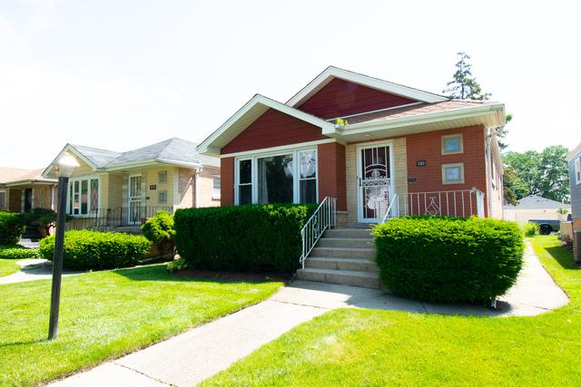 135 Granville Avenue, Bellwood, IL 60104 (MLS #10449101) :: Berkshire Hathaway HomeServices Snyder Real Estate